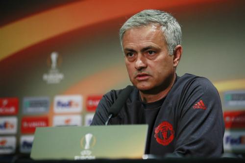 Mourinho đòi loại Ajax khỏi Europa League - ảnh 1