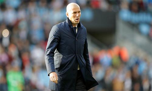 Zidane tiết chế sự hưng phấn của học trò khi Real tiệm cận ngôi báu