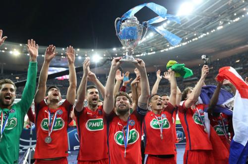 PSG giành Cup quốc gia nhờ pha đốt lưới nhà