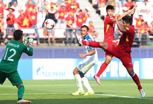 """HLV Honduras: """"Chơi chậm là bí quyết để hạ U20 Việt Nam"""""""