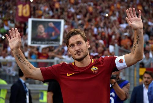 """Totti: """"Chân tôi hết vui, nhưng trái tim vẫn đập"""""""