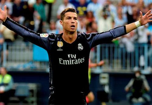 """Owen: """"Man Utd tạo ra Ronaldo, chứ không phải Real"""""""