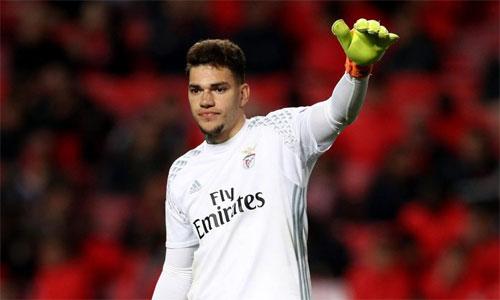 Man City mua thủ môn giá 45 triệu đôla