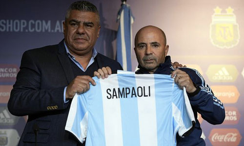 sampaoli-messi-can-nhung-dong-doi-an-y-o-doi-tuyen-argentina
