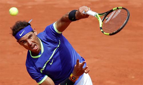 Nadal mừng sinh nhật bằng vé vào tứ kết Roland Garros