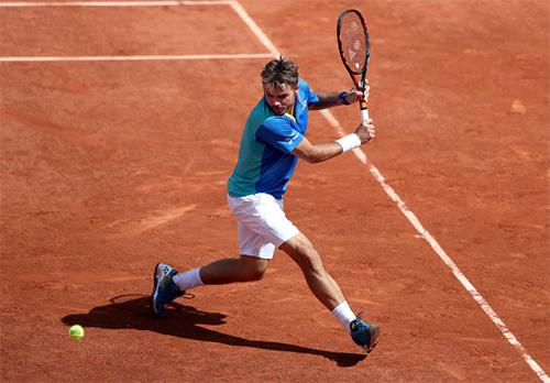 Wawrinka lại gieo sầu cho người Pháp, vào tứ kết Roland Garros
