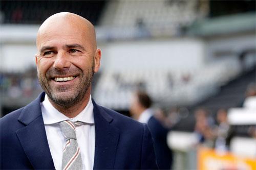 Dortmund thay Tuchel bằng HLV của Ajax
