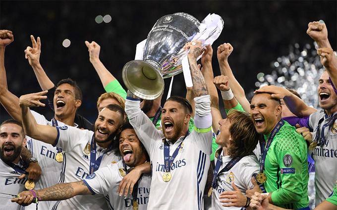 Real đưa Cup Champions League 2017 vào phòng truyền thống
