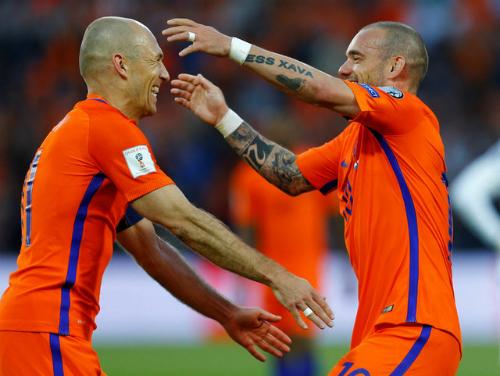 ha-lan-thang-dam-trong-ngay-sneijder-lap-ky-luc-ra-san