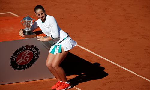 Thế giới quần vợt sốc vì nhà tân vô địch Roland Garros