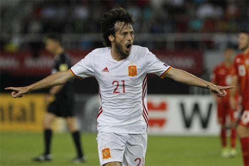 Silva và Costa lập công, Tây Ban Nha tiếp tục xếp trên Italy