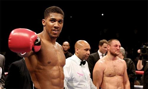 Joshua lớn tiếng muốn thượng đài với Tyson Fury