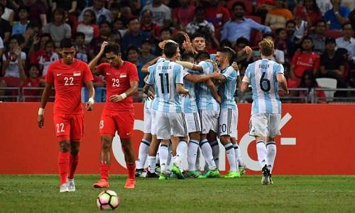 Di Maria lập công trong trận Argentina thắng Singapore 6-0