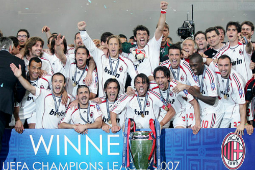 AC Milan: Buổi giao thời của đỏ - đen