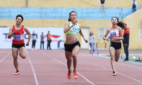Tú Chinh về nhất 200m, vượt thành tích HC vàng SEA Games 28