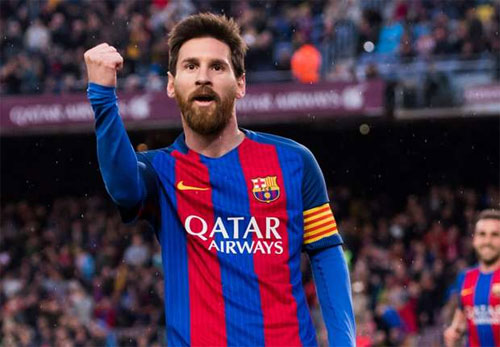 Barca từng suýt phải bán Messi