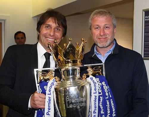 """Vì sao Chelsea vẫn thành công dù là """"cỗ máy xay HLV"""""""