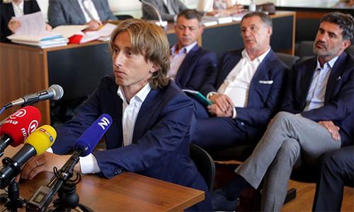 Luka Modric bị điều tra tội khai man
