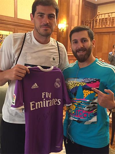 Casillas ngạc nhiên khi gặp người Iran giống Messi