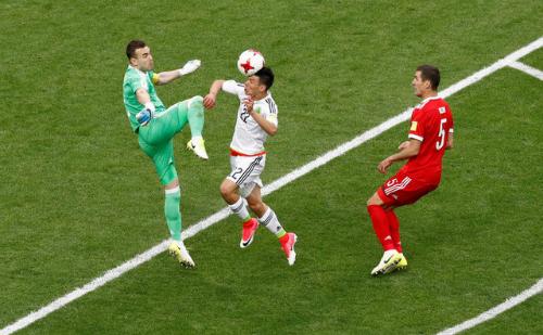 Nga bị loại từ vòng bảng vì sai lầm của đội trưởng