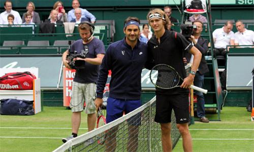 Federer xử đẹp Zverev, lần thứ chín vô địch Halle