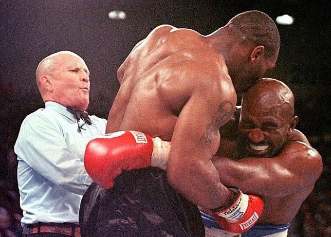 Những điều ít biết về vụ Mike Tyson cắn tai Holyfield