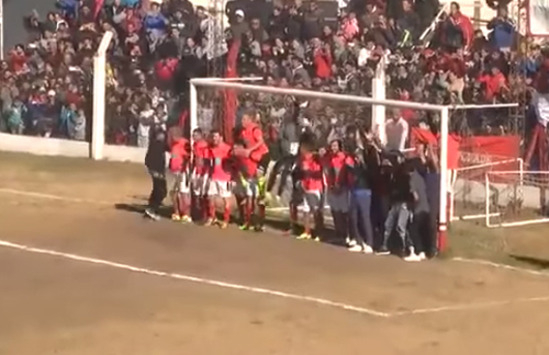 Dybala đá phạt ghi bàn qua hàng rào 18 người