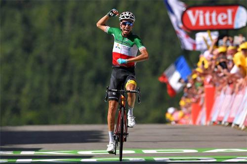 Fabio Aru leo núi về đích một mình ở chặng 5 Tour de France 2017