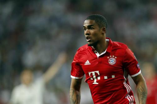Juventus đề nghị mượn Douglas Costa từ Bayern