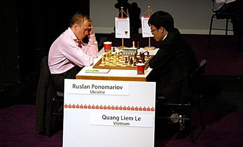 Quang Liêm thủ hoà nhà cựu vô địch thế giới của FIDE