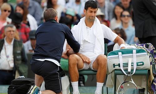 Djokovic bỏ cuộc ở tứ kết Wimbledon vì chấn thương