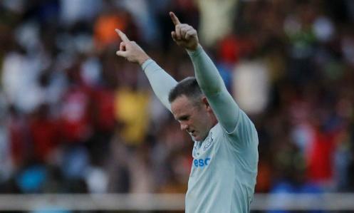 Rooney ghi bàn từ 30 mét trong màu áo Everton