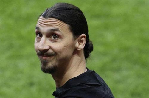 """Ibrahimovic: """"Sắp có một tin khổng lồ về tôi"""""""