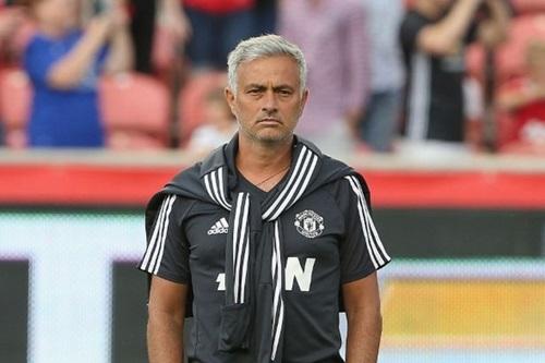 Mourinho khen Lukaku, chê đối thủ đá quá hung hăng