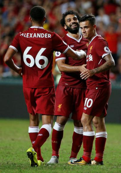 Tân binh lập công, Liverpool ngược dòng thắng Leicester