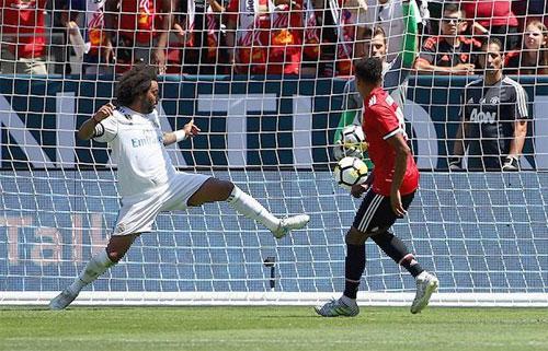 Man Utd đánh bại Real sau loạt luân lưu có bảy cú sút hỏng