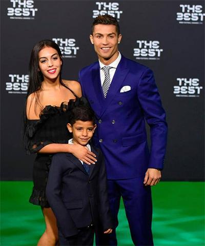 Cristiano Ronaldo muốn có bảy con