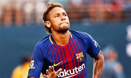 Neymar tiết lộ sẽ rời Barca ngay khi PSG chồng đủ tiền