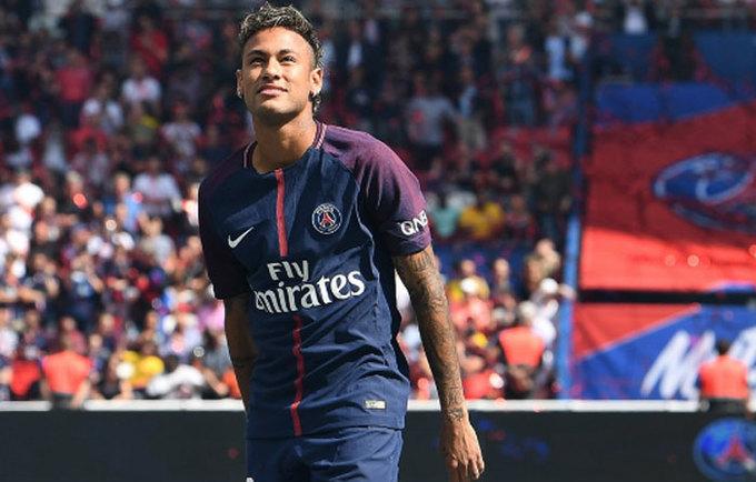 Neymar được tung hô như vị Vua trên sân Công viên các Hoàng tử