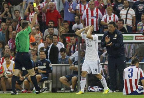Modric bị cấm chơi trận Barca - Real vì tấm thẻ đỏ từ năm 2014