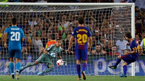 Ronaldo bị đuổi, Real vẫn đè bẹp Barca tại Nou Camp