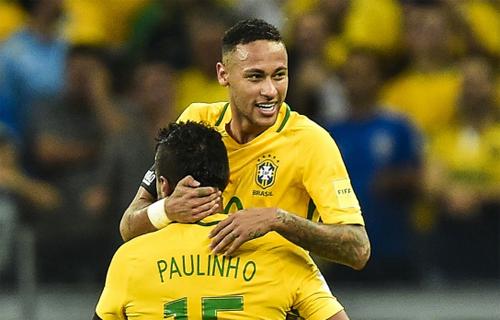 neymar-chuc-mung-paulinho-gia-nhap-barca
