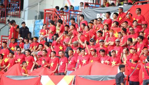 """HLV Mai Đức Chung: """"CĐV là bí quyết để đánh bại Myanmar"""""""