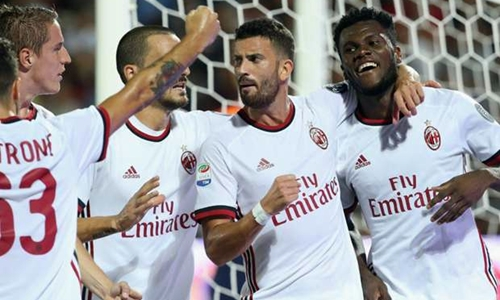 Milan ghi bàn tốc hành, thắng đậm trận ra quân Serie A