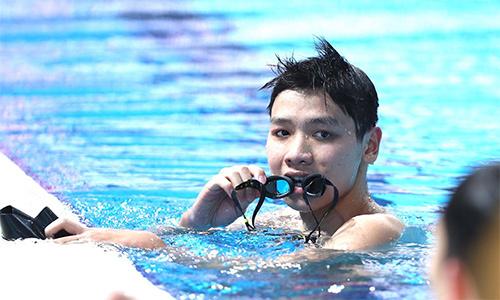 kim-son-kinh-ngu-15-tuoi-pha-ky-luc-quoc-gia-o-sea-games