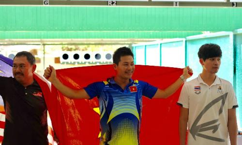 Xạ thủ Việt Nam giành HC vàng dù bắn một lượt 0 điểm và hóc súng