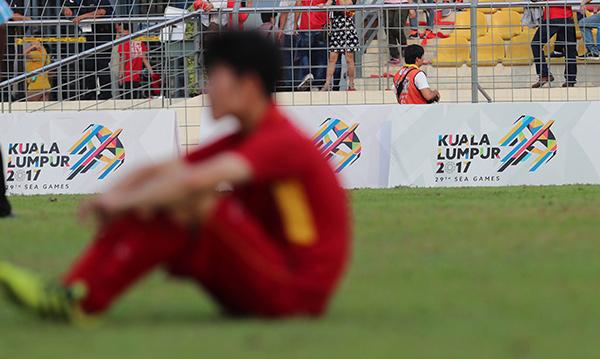 Thua thảm Thái Lan, Việt Nam chia tay SEA Games 2017