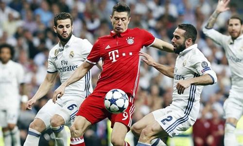 Chủ tịch Bayern chỉ trích Lewandowski