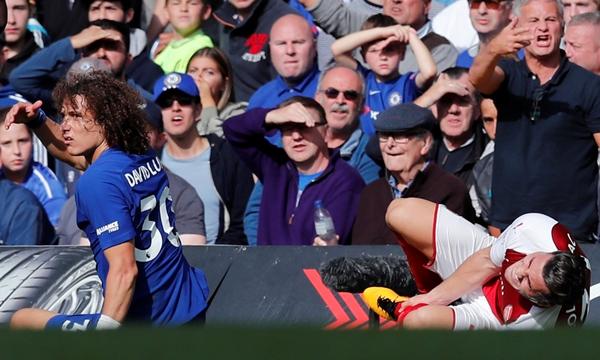 David Luiz bị đuổi, Chelsea chia điểm cùng Arsenal