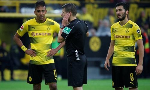 Dortmund đại thắng Cologne, lấy lại ngôi đầu tại Bundesliga